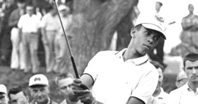Bill Wright, Who Broke a Color Barrier in Golf, Dies at 84